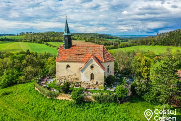 Kostel sv. Václava Chvojínek